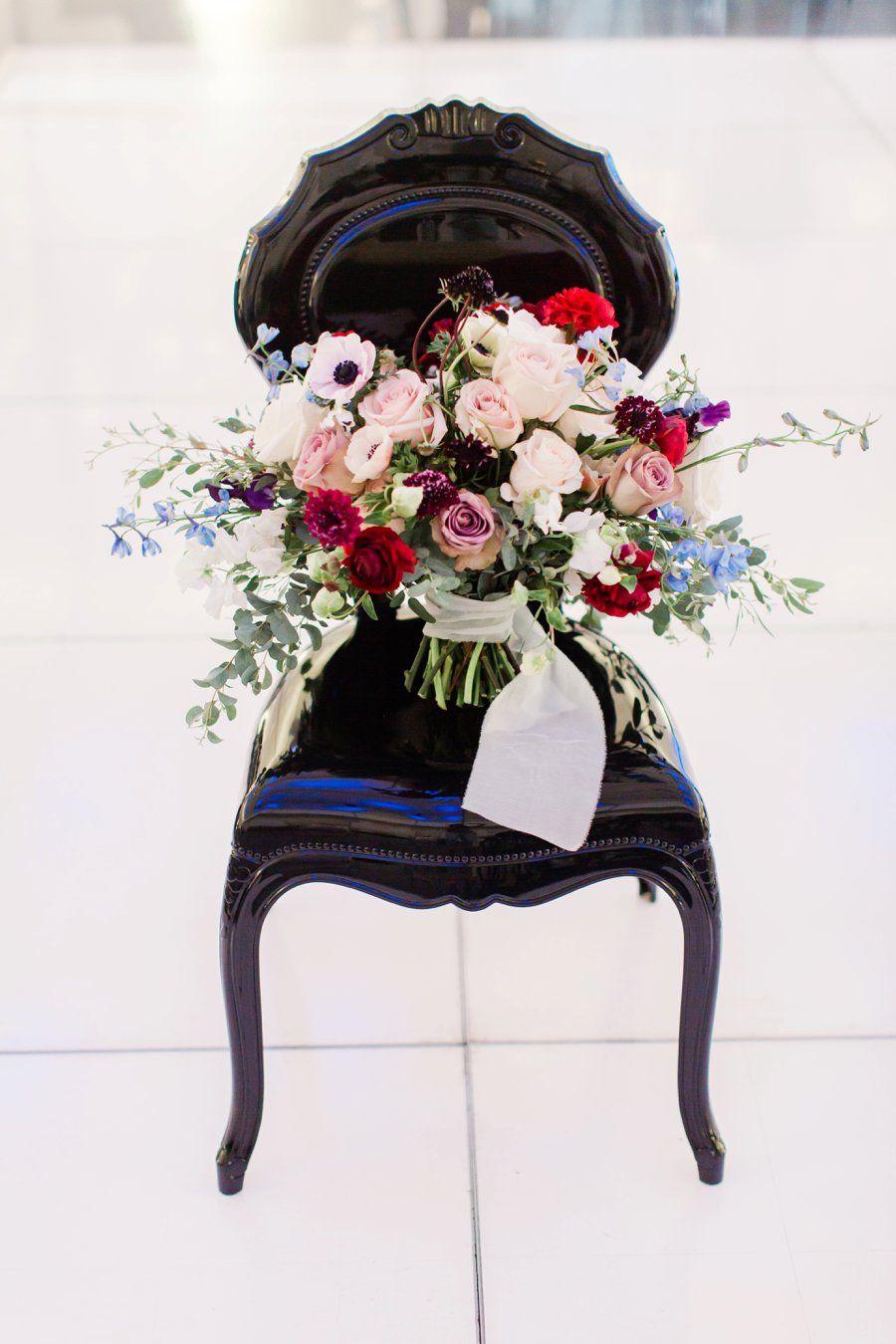 Blue black white modern elegant wedding ideas elegant flower blue black white modern elegant wedding ideas wedding flower bouquetselegant izmirmasajfo