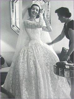 Vintage Wedding Gown Photo
