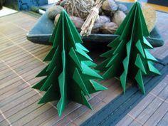 sapin de nol en papier dcouper et raliser en 3d avec les petits sapin origamidecoration - Decoration De Noel En Origami
