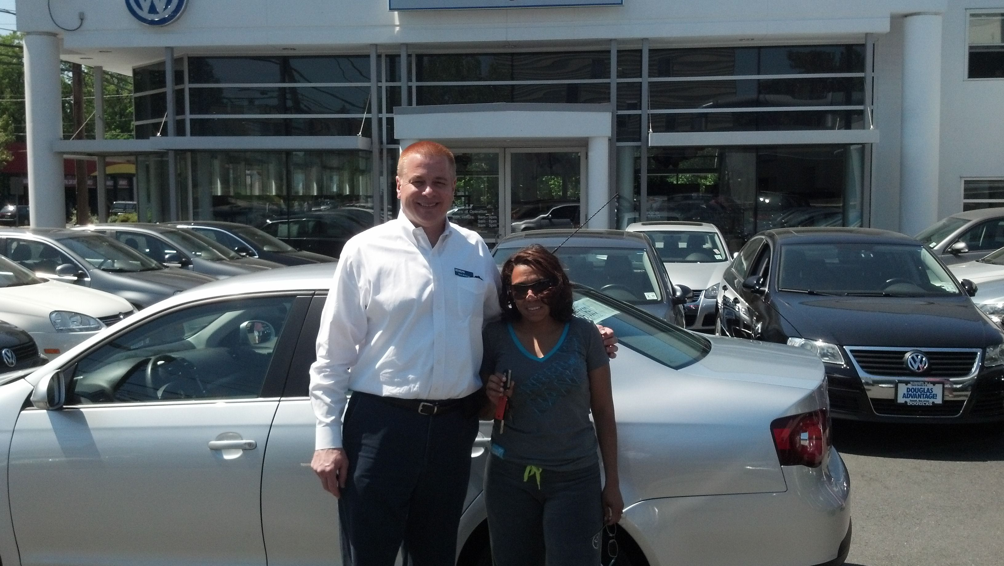 Fatima Baez Picking Up Her 2008 Vw Jetta From Douglas Infiniti Sales Consultant Nick Malanga Click On The Pic To Find Out More Vw Jetta Volkswagen Lease Deals