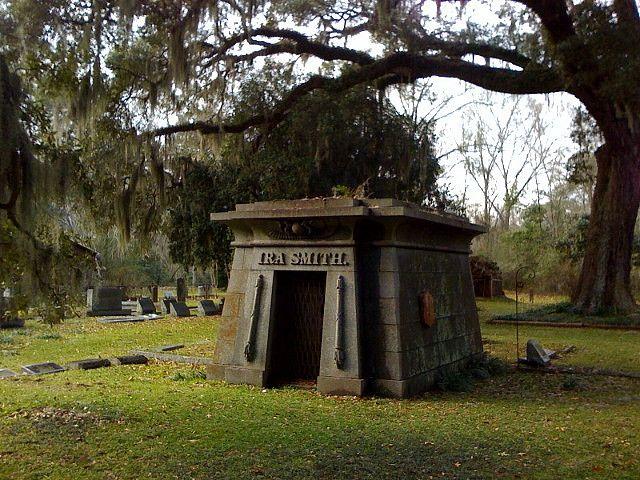 Cool Crypt Grave Addiction Louisiana Plantations