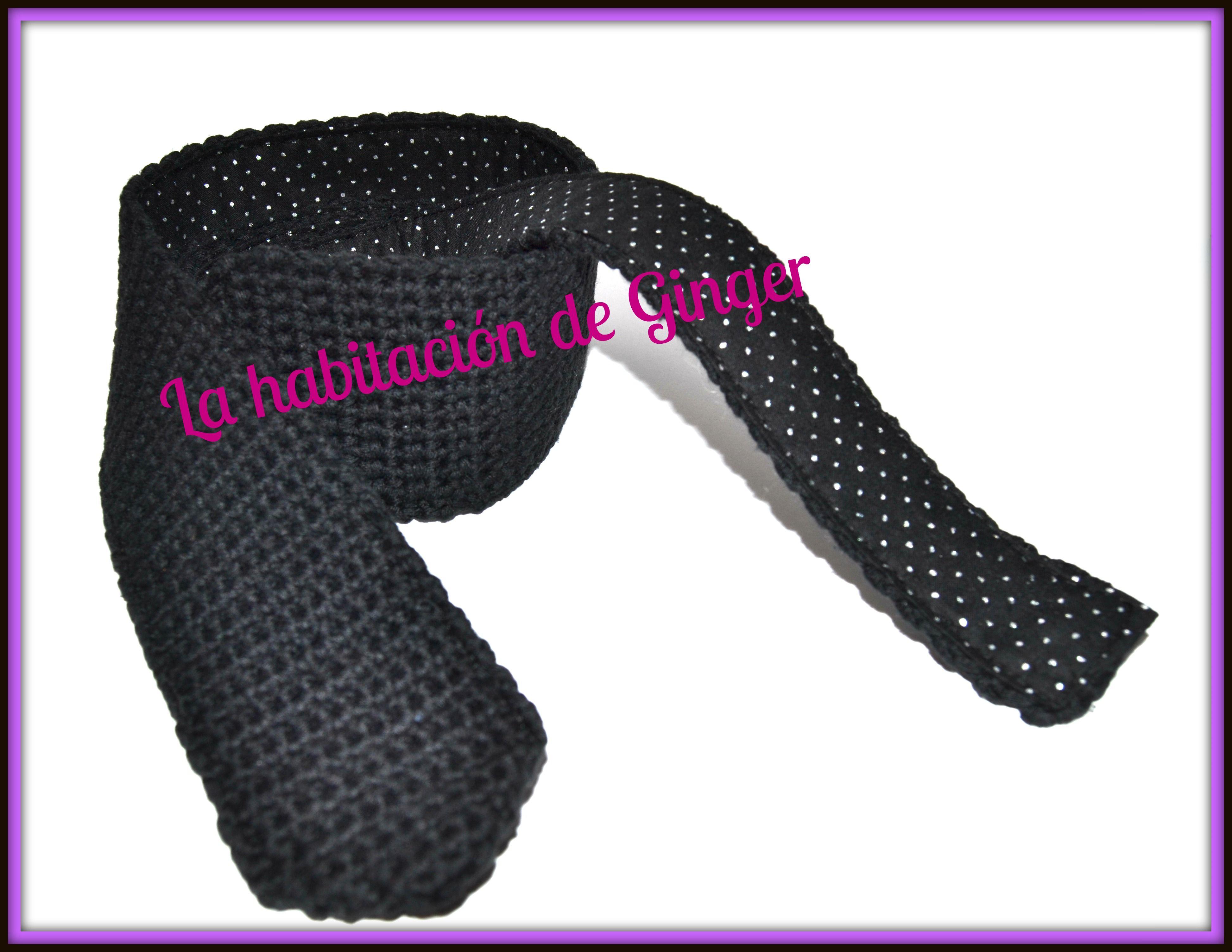 http://lahabitaciondeginger.blogspot.com.es/2014/12/elegante-y-cool.html  Corbata de ganchillo