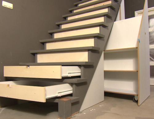 Kast In Trap : Een fris tintje voor de trap én extra opbergruimte in de hal