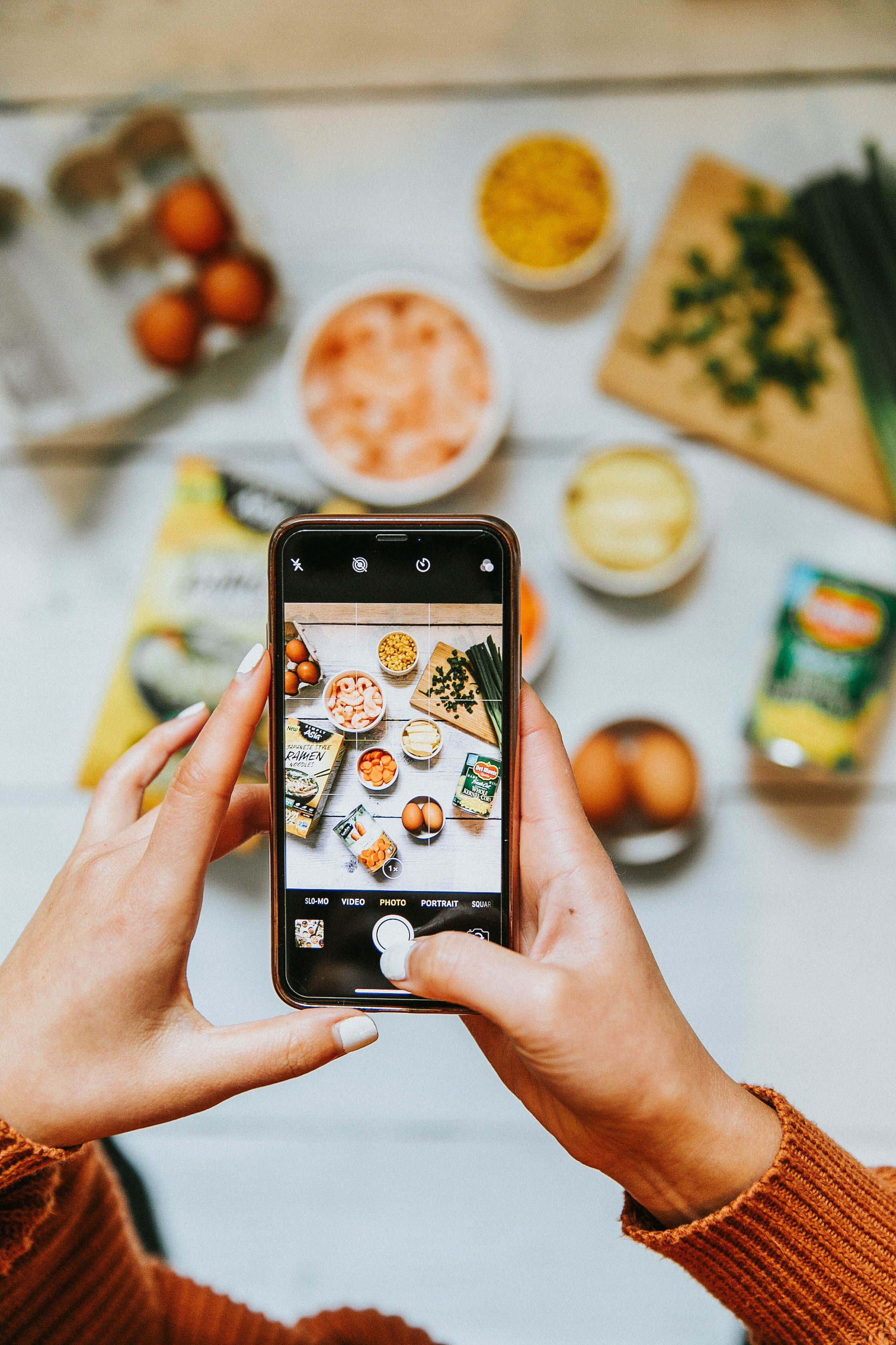 Tips To Take Gorgeous Photos On Your Phone Of Food. How To