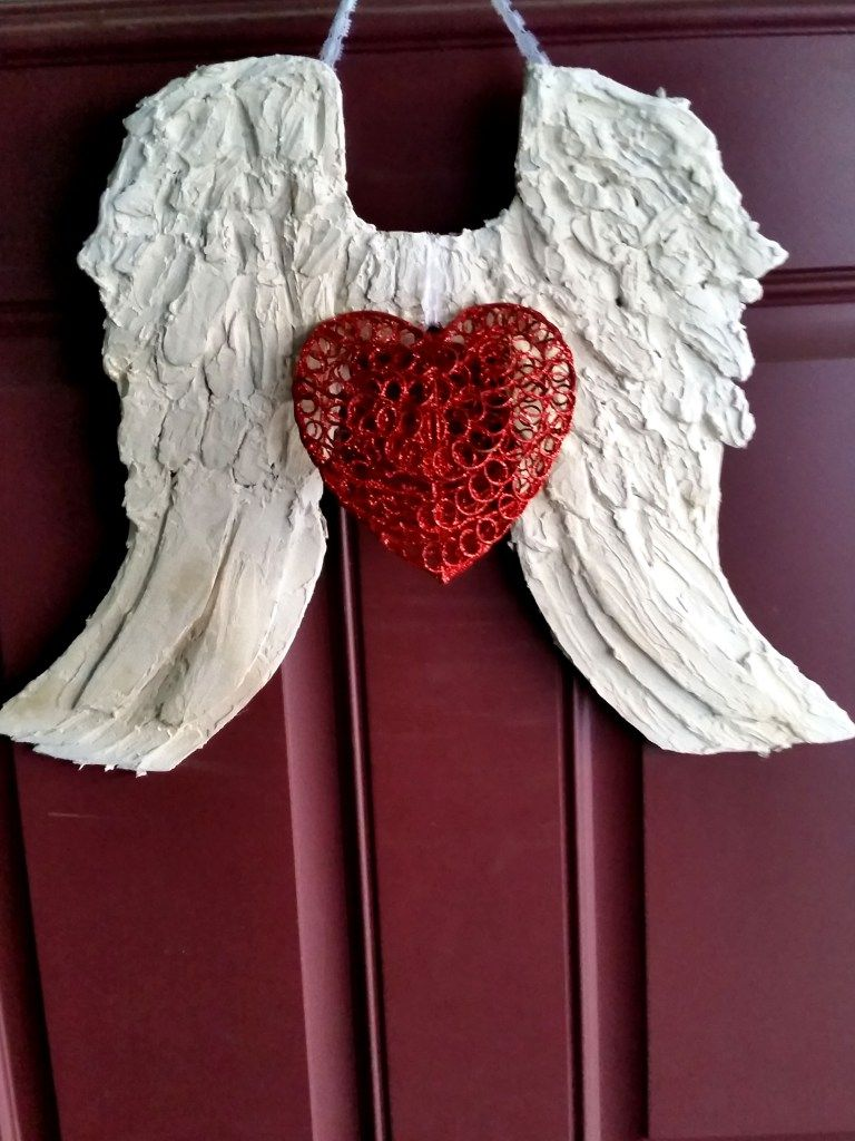 Valentines Wings and Heart Door Hanger | Creative Mommy Bear