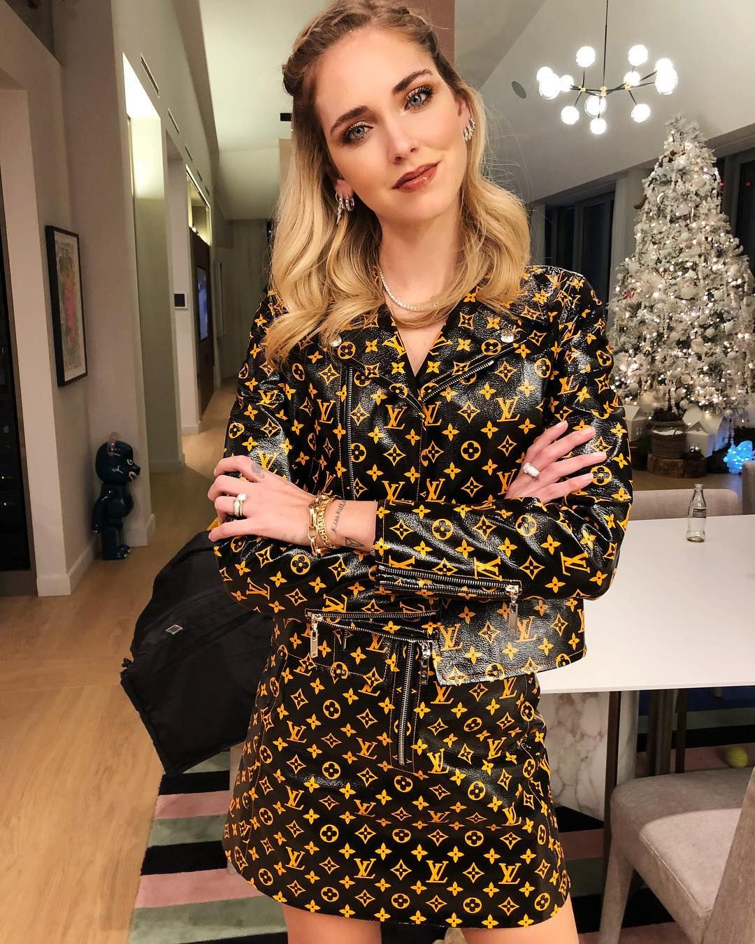 Chiara Ferragni On Instagram Back In Milan For Two Days Maldives Next For Our Honeymoon Looks Estilos Casuais Vestidos Chiques Curtos