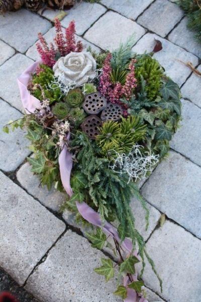 Dekoratives und Individuelles aus der Natur #grabbepflanzungherbst Dekoratives und Individuelles aus der Natur #friedhofsblumen