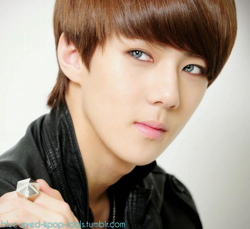 Blue Eyed Kpop Idols Kpop Idol Blue Eyes Idol