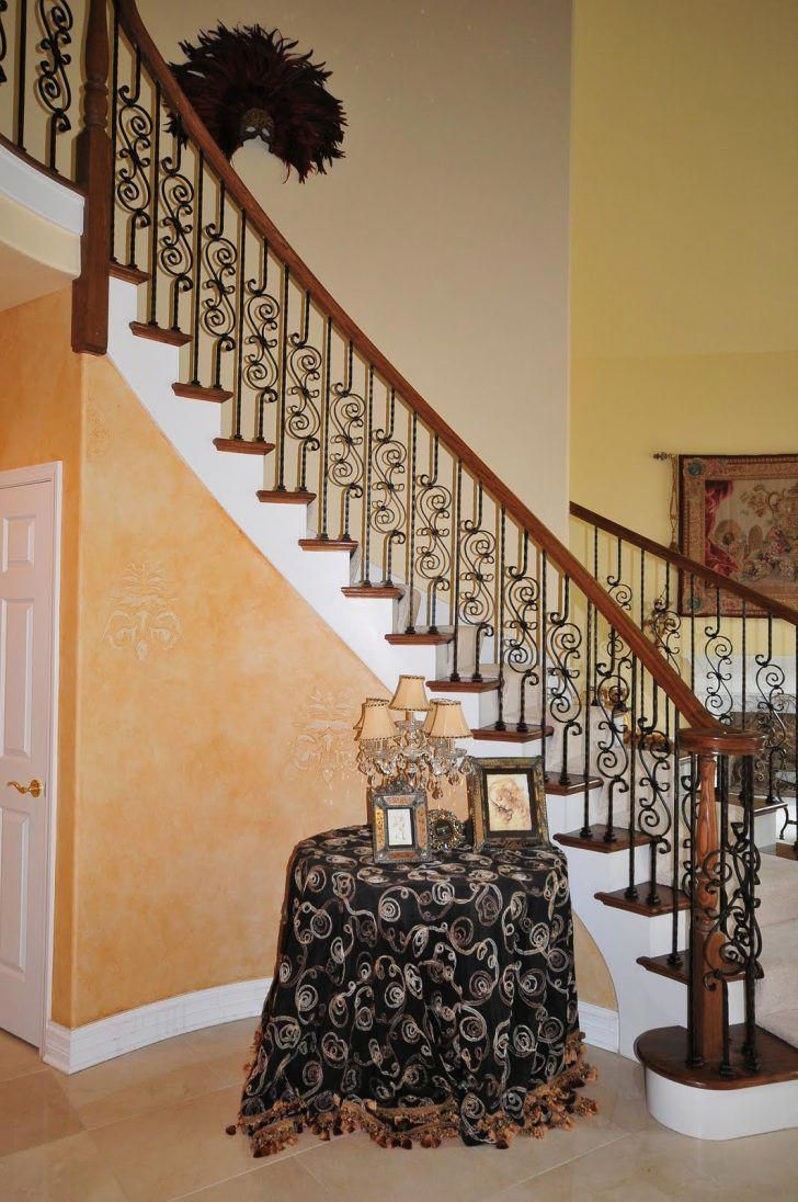 Living Room:Decorating Small Living Room Ideas With Stairs ...
