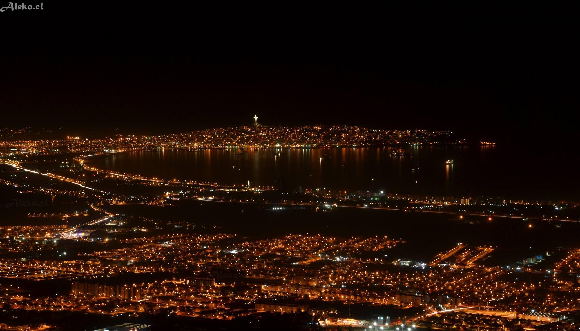 Coquimbo de Noche, foto de Aleko
