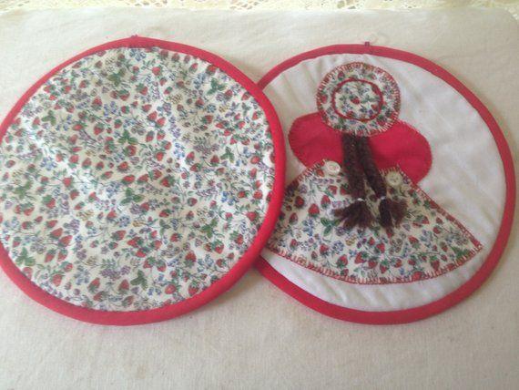 Vintage Potholders Woman Man Sunbonnet Braids 1960s Retro Kitchen Ware Red & White #kitchenware