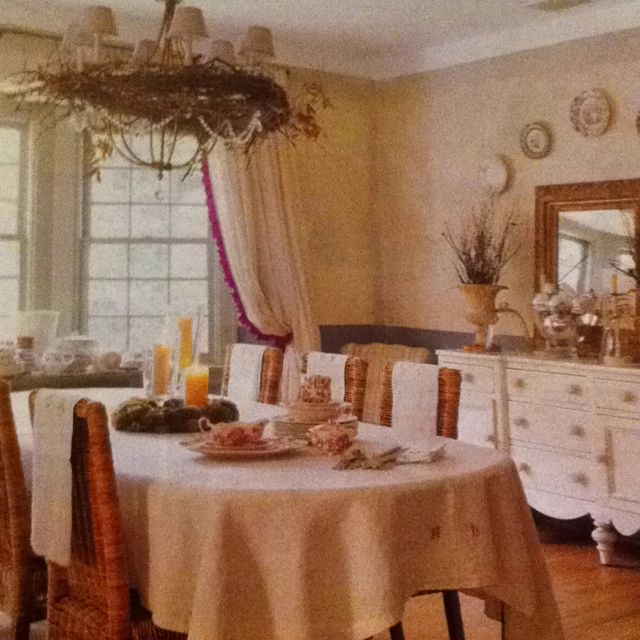 Casual Dining Room Chandeliers: This Dining Room Is Very Fun , Has A Casual Vintage Feel