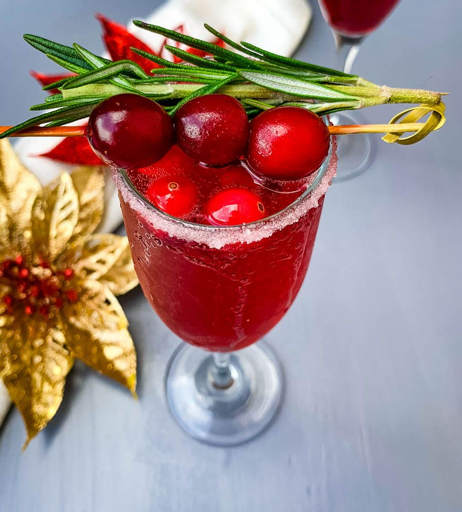 Easy Cranberry Mimosa Is The Perfect Cranberry Champagne Cocktail This Mimosa With Cranberr Cocktail Recipes Easy Champagne Recipes Cocktails Cranberry Mimosa