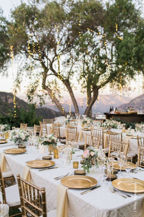 gold vineyard wedding table decor / //.deerpearlflowers.com/outdoor-vineyard-wedding-ideas/ & 30 Natural Outdoor Vineyard Wedding Ideas | Pinterest | Vineyard ...