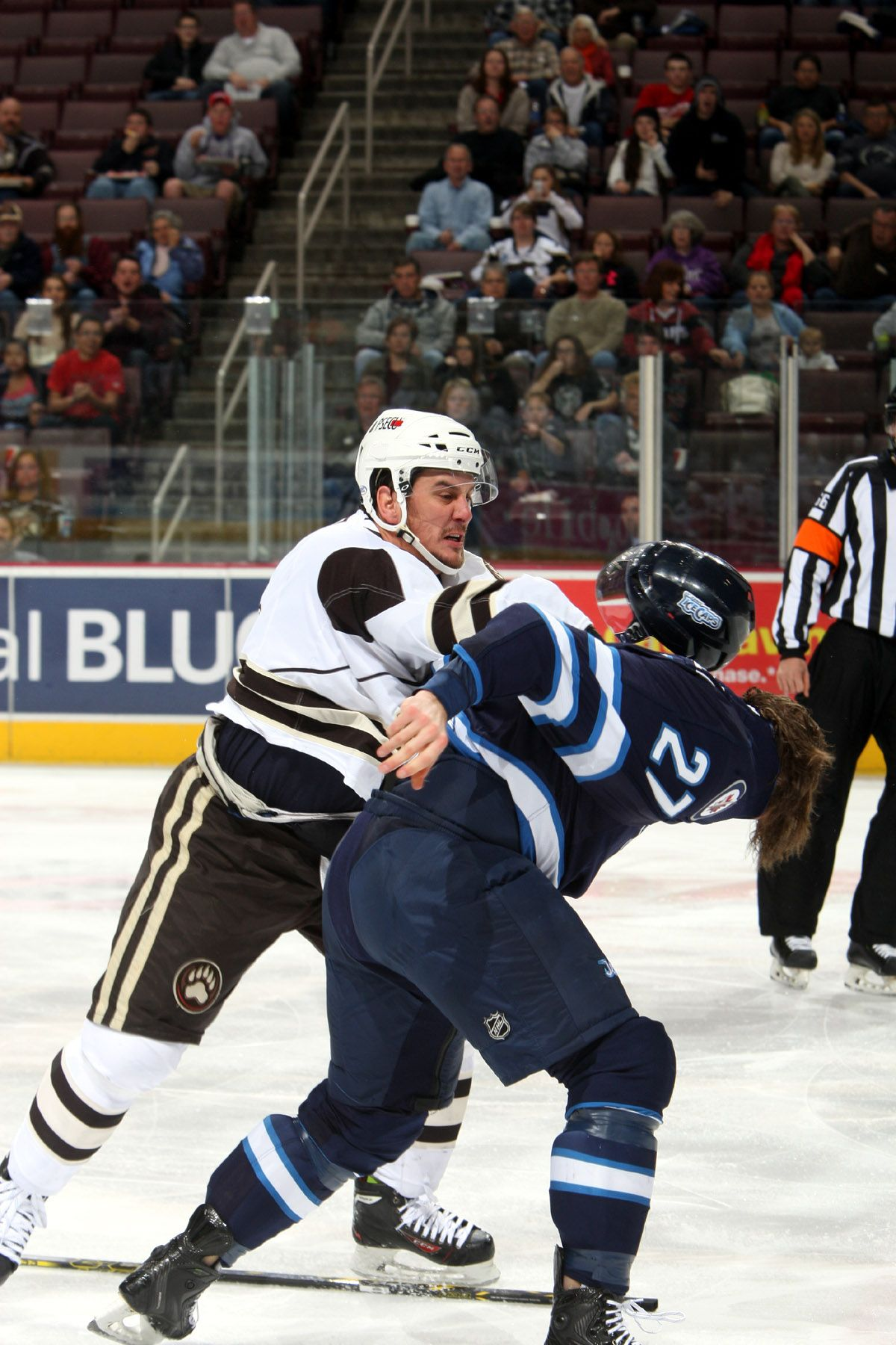 8b1c58e9016 11.30.14 - Hershey Bears forward