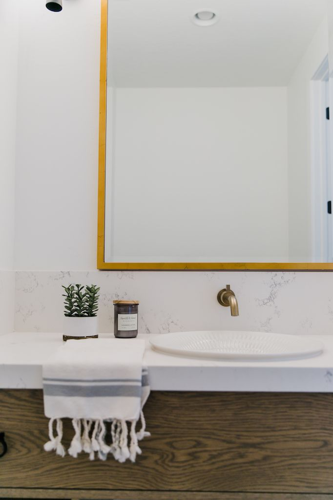 Photo of Mixing Metals with Brizo in the Bathrooms of Villa BonitaBECKI OWENS