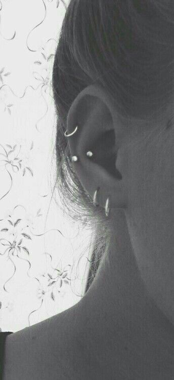 Piercing c cartilage piercing