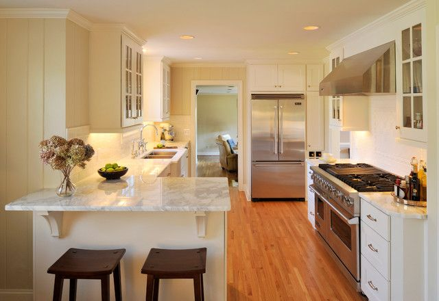 Easy Tips For Designing Comfortable Small Size Kitchen Peninsula Kitchen Design Kitchen Layout Galley Kitchen Remodel