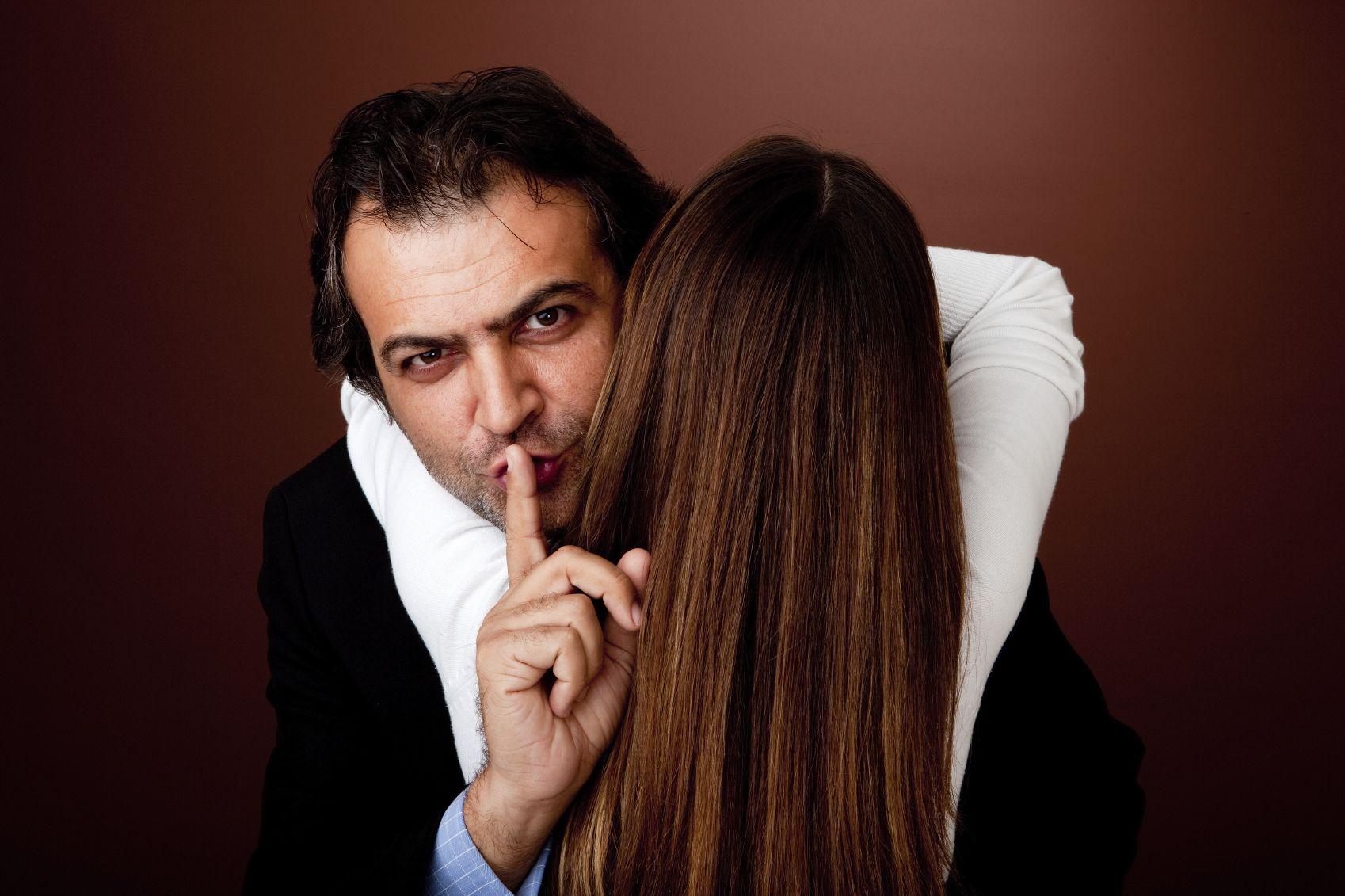 https://youtu.be/DRTC5nK7Cec | Cheating men, Infidelity