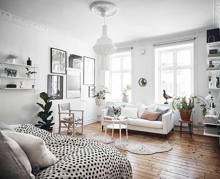 46 Mentions J Aime 1 Commentaires Astrid Gravity Home Gravityhomeblog Sur Instagram Studio Apartment Decorating Small Apartment Room Small Room Design