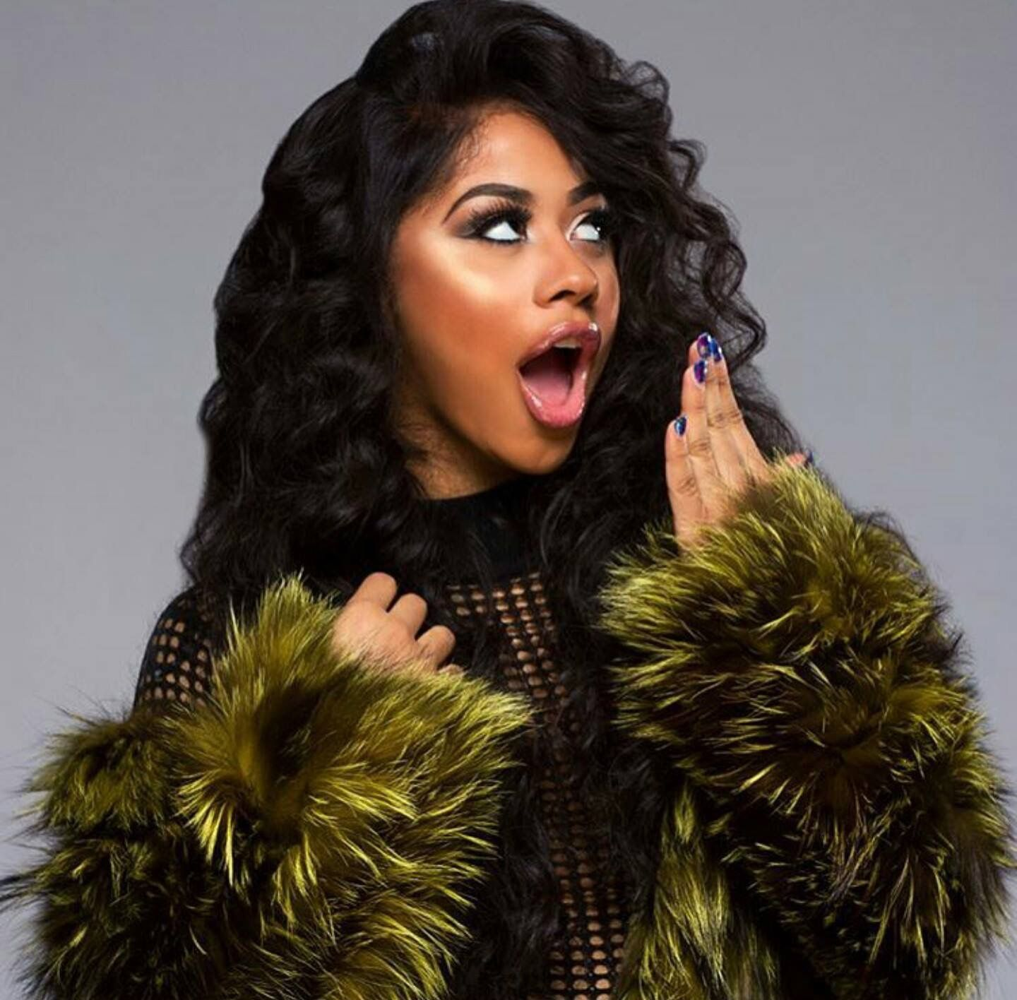 hennessy carolina! cardi b sister if y'all don't know! pose