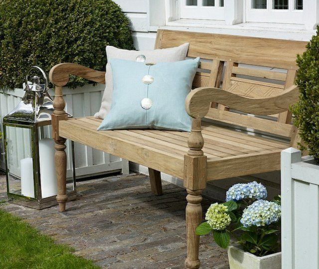 gartenbank eiche holz deko kissen laterne garten blumen. Black Bedroom Furniture Sets. Home Design Ideas