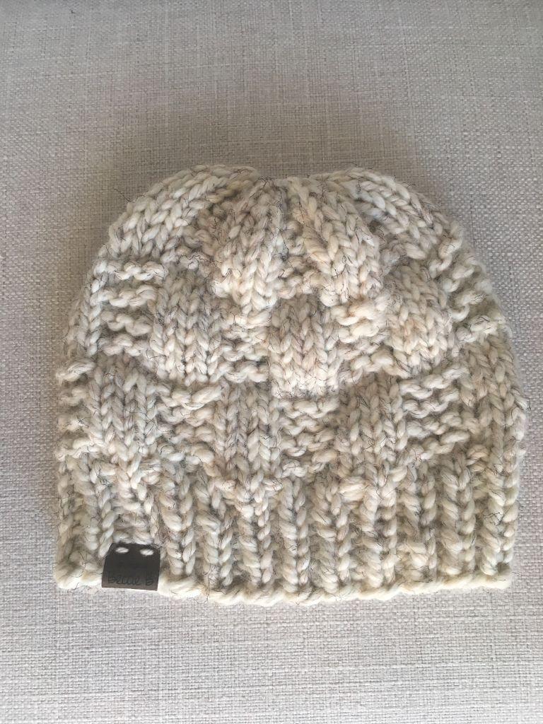 - READY TO SHIP! White Crochet Ribbed Beanie