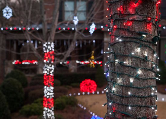 candy cane striping using red and white christmas lights this is an amazing christmas lights - Red And White Led Christmas Lights
