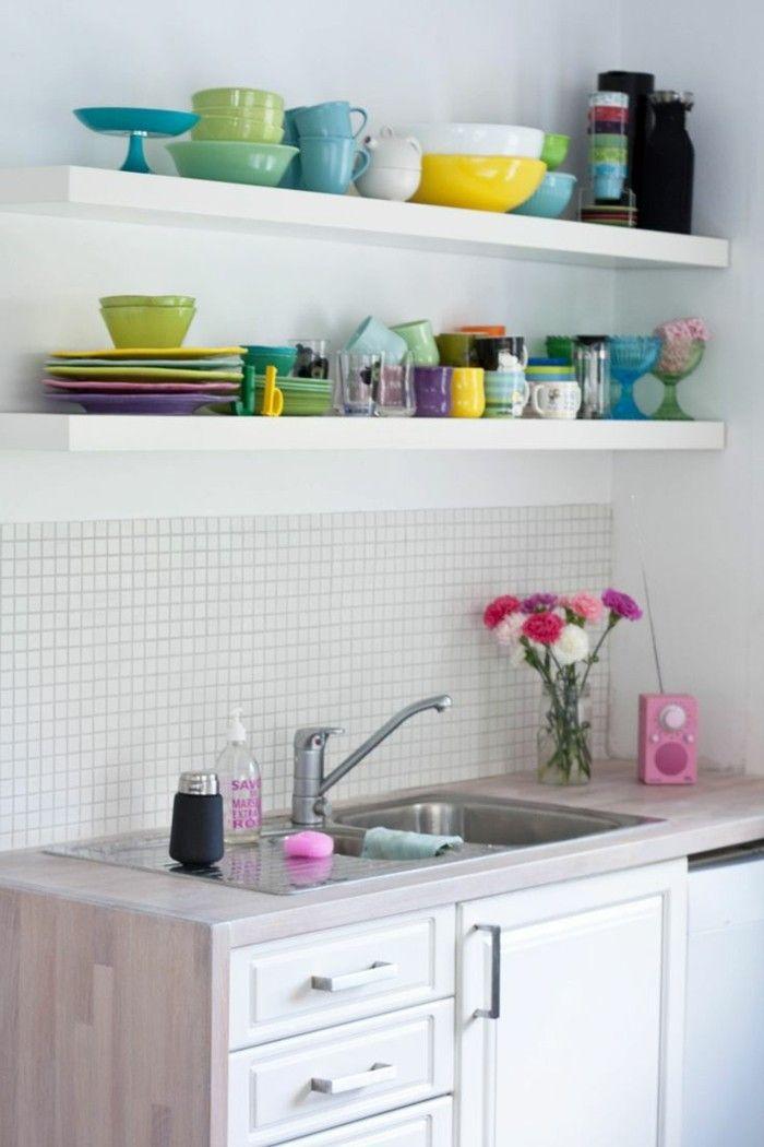 kücheneinrichtung farbige akzente weiße küchenschränke | Kitchen ...