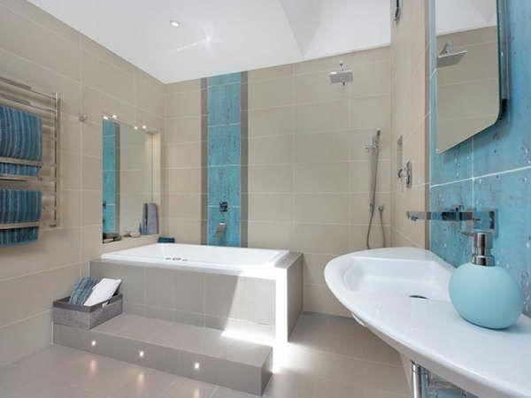 moderne badezimmer badewanne fliesen einbauwanne badmöbel Mosaik