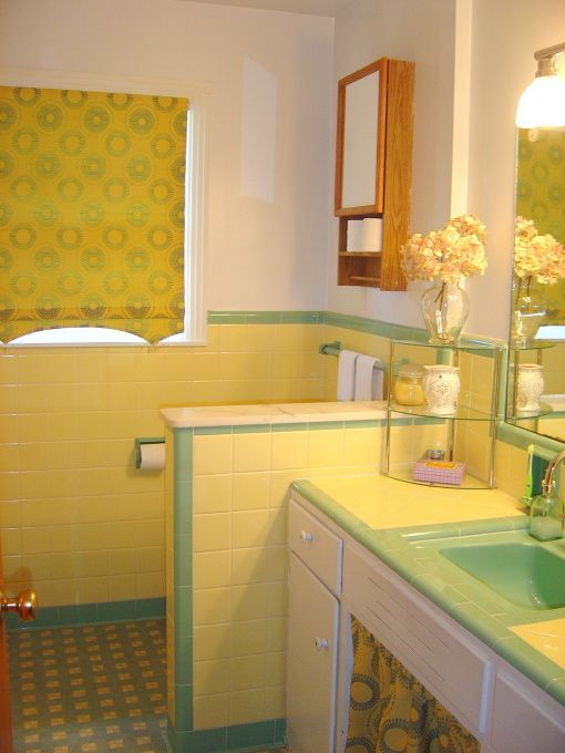 1950 S Yellow And Green Bath Tile Redo Yellow Bathroom Tiles Yellow Bathroom Decor Yellow Bathrooms