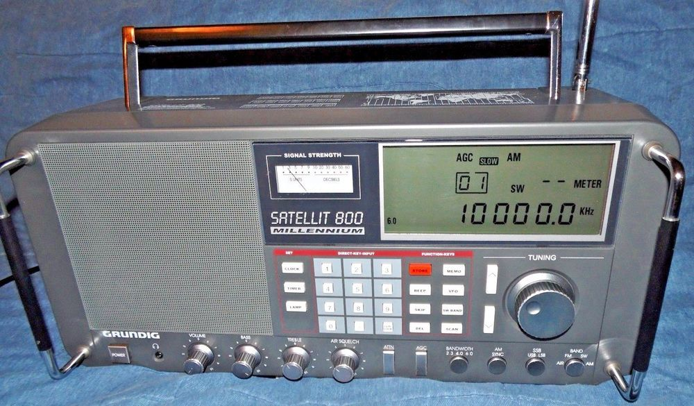 GRUNDIG SATELLIT 800 Millennium Shortwave AM FM Stereo Aircraft
