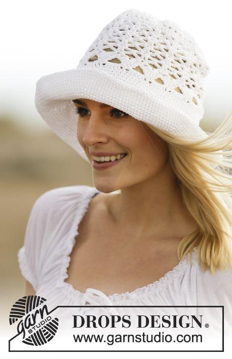 """Sombrero de ganchillo DROPS con patrón de calados, en """"Muskat ..."""