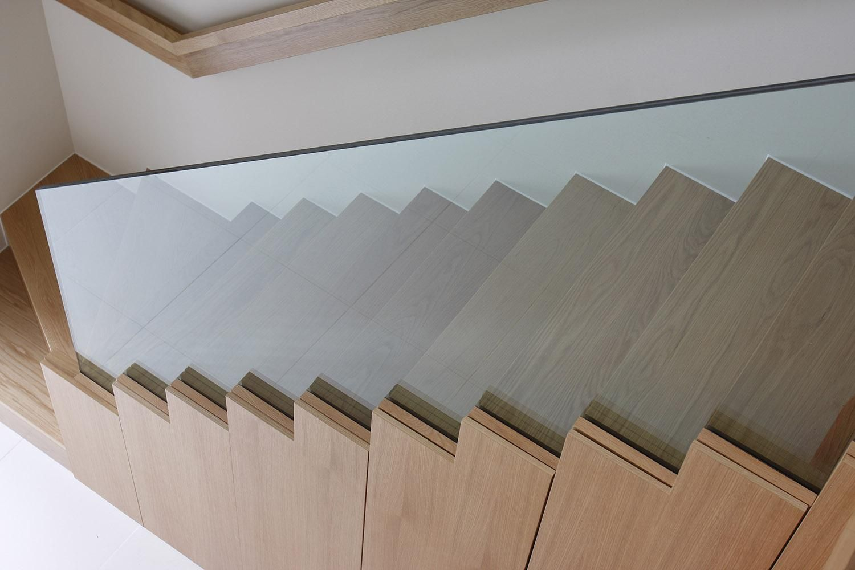 Best Balustrades 1 Folding Glass Doors Glass Balustrade 400 x 300