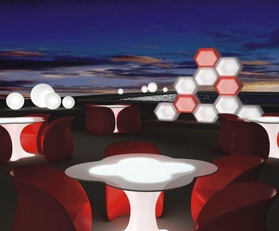 led aydinlatmali bahce mobilyasi modern tasarimli ledli masa koltuk bar tabure sehpa puf yatak (1)