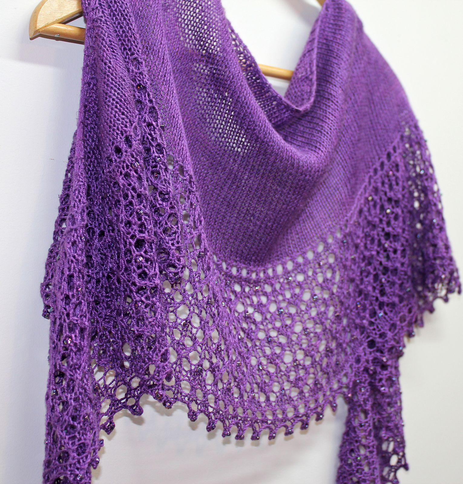 Love in a Mist pattern by Boo Knits | Chal, Ponche y Ponchos