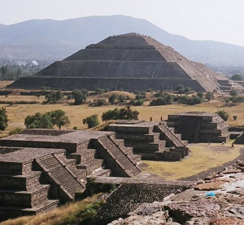 Pyramid Of The Sun And Moon Pyramids Teotihuacan Places To Go