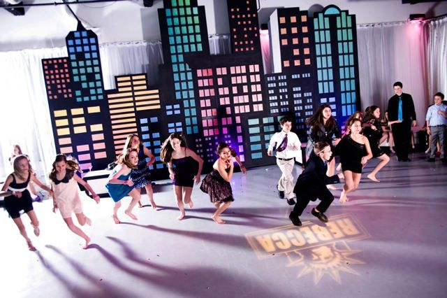 NYC Theme Bat Mitzvah Skyline Decorations & Dancing {Party Perfect, Jennifer Werneth Photography} - mazelmoments.com