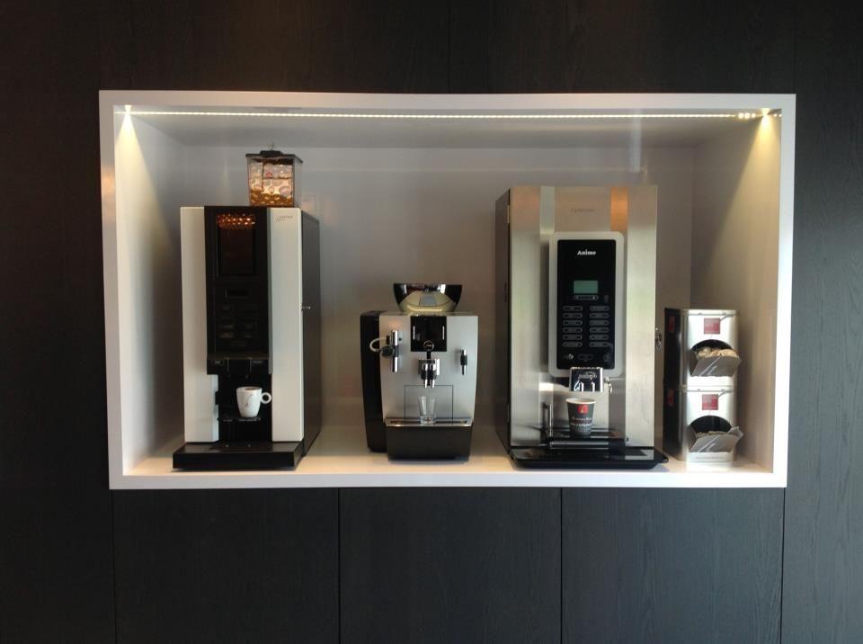 Ook voor kantoren/bedrijven hebben we voor elke vraag de juiste machine in huis! Jura,Etna,Animo,Bravilor.