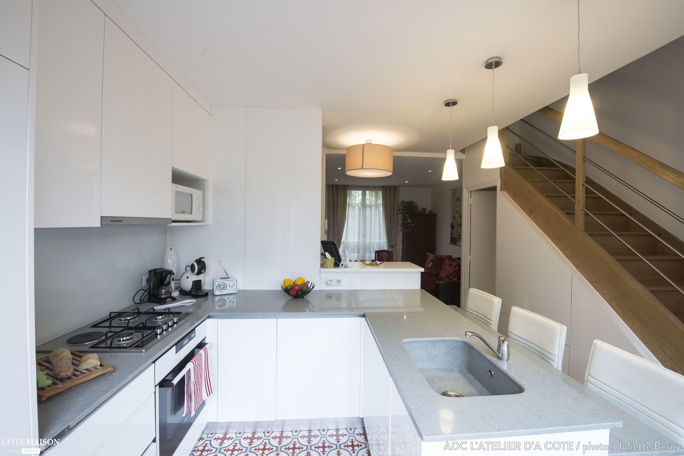 vivre dans une petite maison plan de petite maison de m plan habillac rdc maison une maison. Black Bedroom Furniture Sets. Home Design Ideas