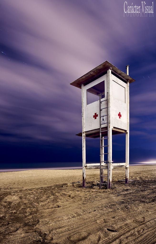 Al cuidado de todos  Puesto de la Cruz Roja en la playa de Maspalomas / Gran Canaria