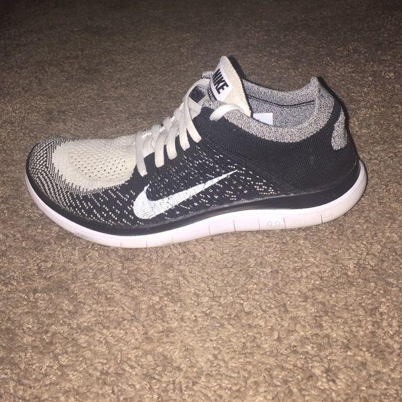 Womens Nike Free Flyknit running shoes sz 7.5