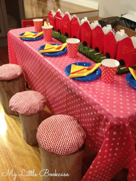 Snow White Party Table setting_ My Little Bookcase