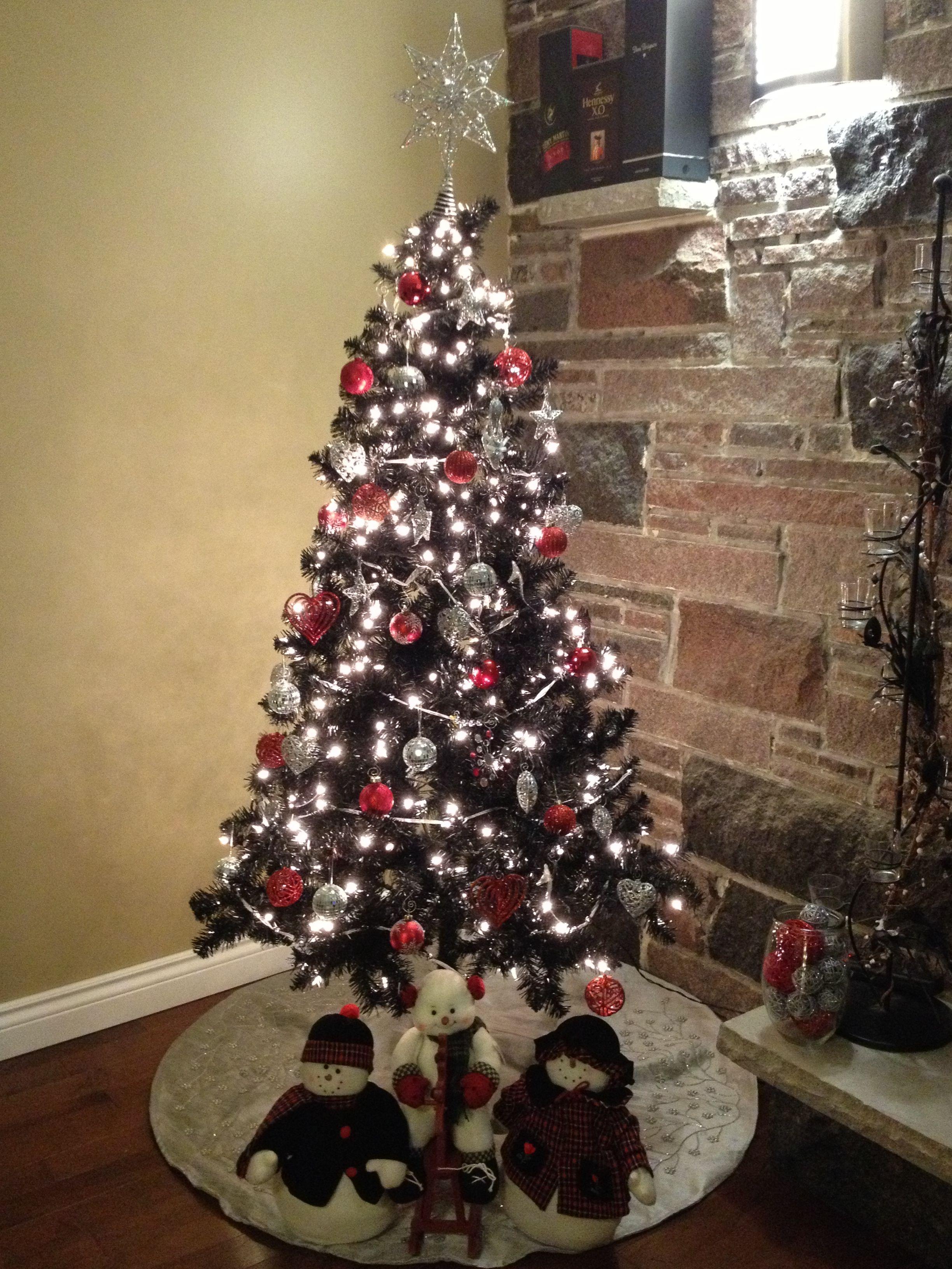 Christmas Tree Home Black Red And Silver Theme Black Christmas Tree Decorations Christmas Tree Silver Christmas Tree