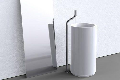 Un rubinetto o un tubo rubinetteria bagno