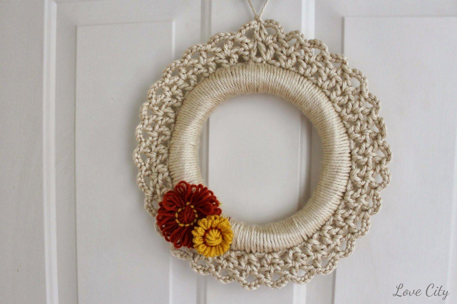 Fancy Crochet Christmas Wreath Pattern Illustration - Sewing Pattern ...