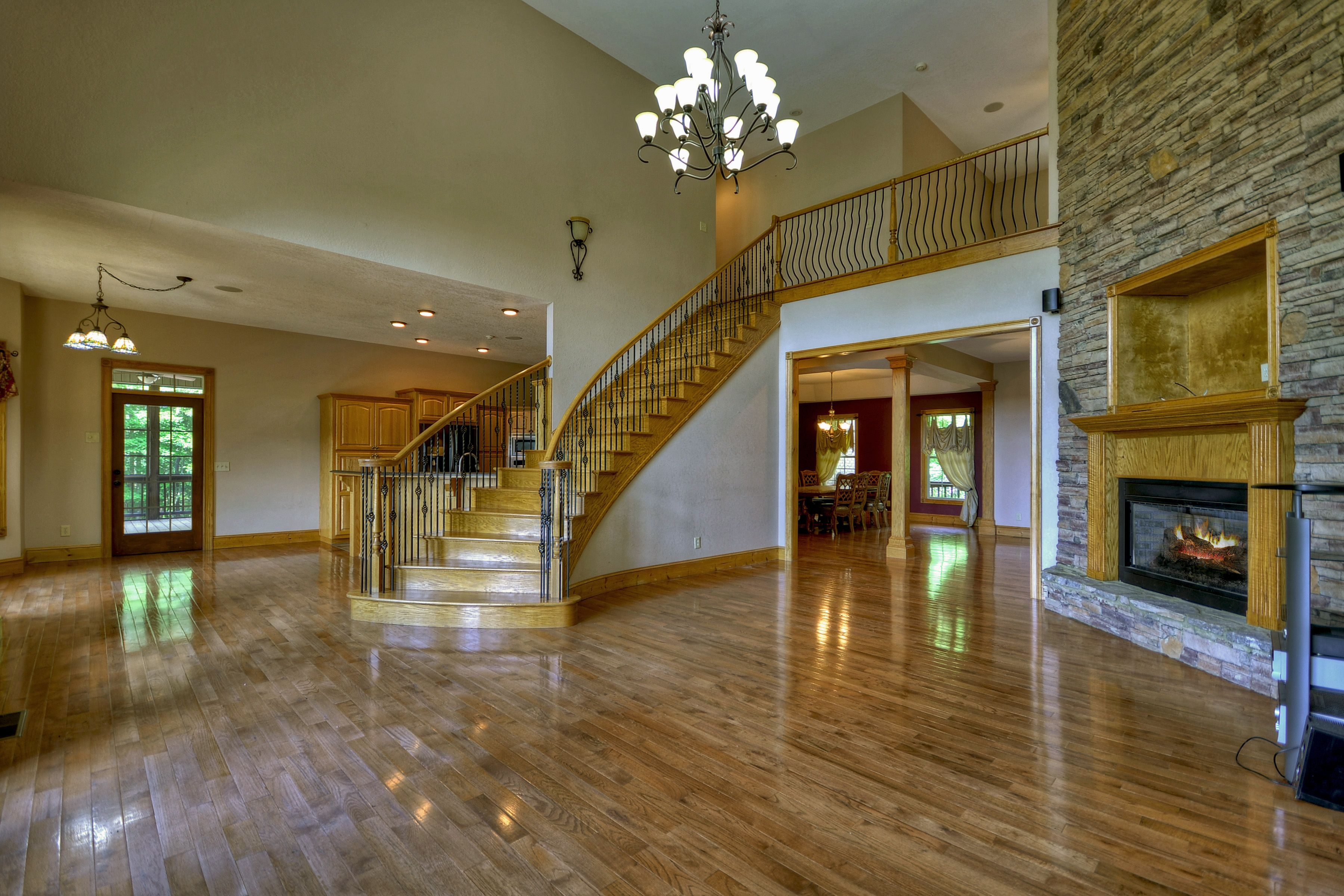 REDUCED!!! Quality Charm meets Traditional Elegance! 5+bedroom/3.5 ...