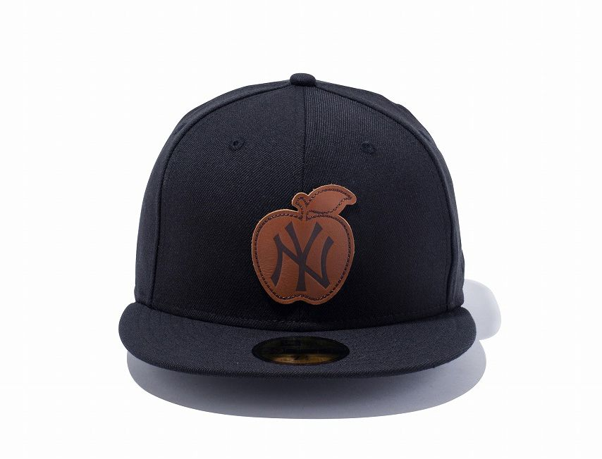 49fb76dd95f New York Yankees Apple Patch 59Fifty Fitted Baseball Cap by NEW ERA x MLB