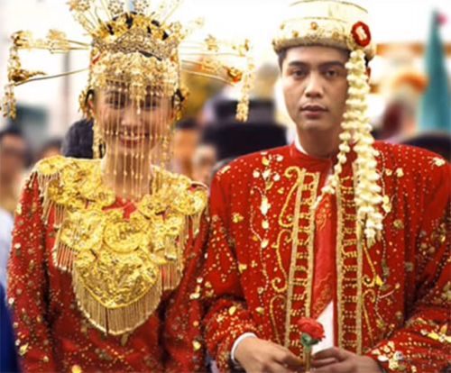 Image result for traditional Thai wedding dress  Wedding Dresses  Wedding dresses, Indonesian