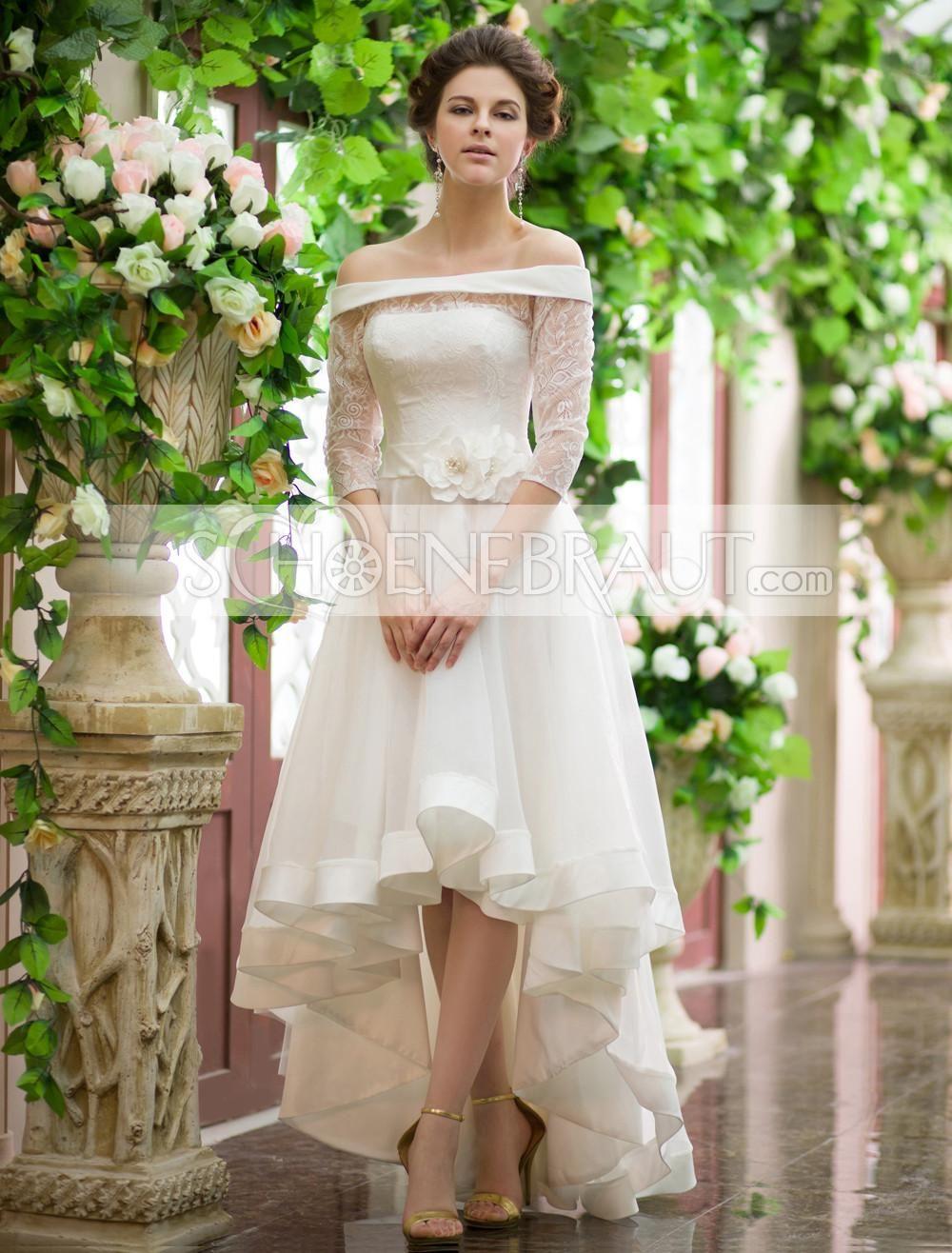 Brautkleid vorne kurz hinten lang mit Bateau Kragen aus Organza